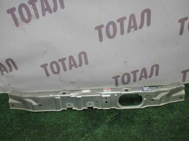 Планка телевизора Toyota Alphard ANH15 2AZFE 2002 верхняя (б/у)