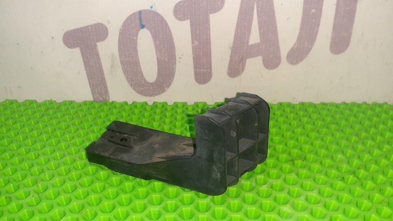 Крепление фары Toyota Ractis NCP105 1NZFE 2007 правое (б/у)