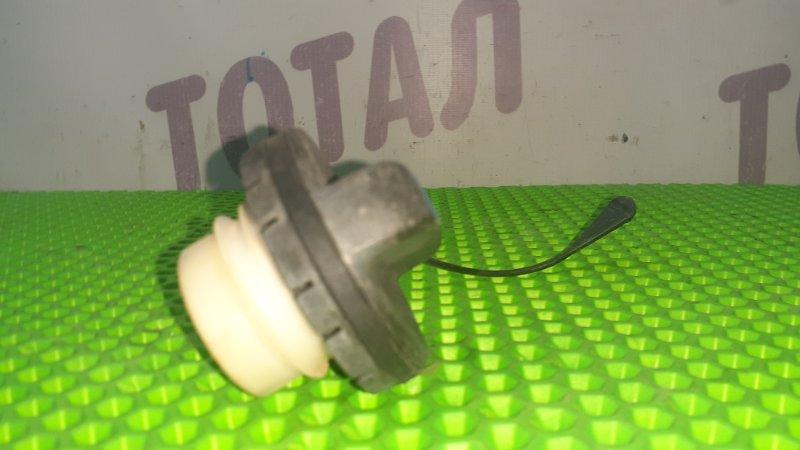 Пробка бензобака Toyota Ractis NCP105 1NZFE 2007 (б/у)