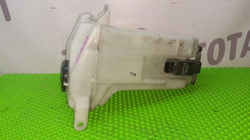 Бачок омывателя Toyota Gaia SXM15 3SFE 1998 (б/у)
