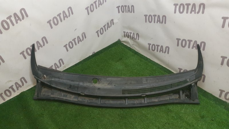 Решетка под лобовое стекло Toyota Mark X Zio GGA10 2GRFE 2008 (б/у)