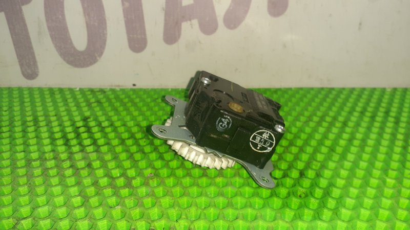 Сервопривод заслонок печки Toyota Mark X Zio GGA10 2GRFE 2008 (б/у)