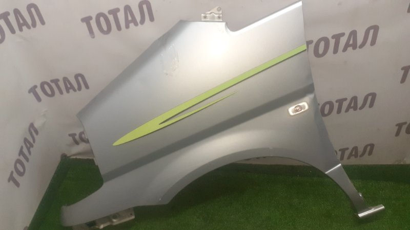 Крыло Nissan Serena VC24 YD25DDTI 2001 переднее левое (б/у)