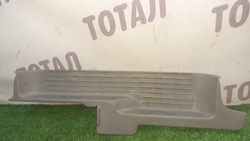 Подножка ,накладка на порог Nissan Serena VC24 YD25DDTI 2001 передняя левая (б/у)