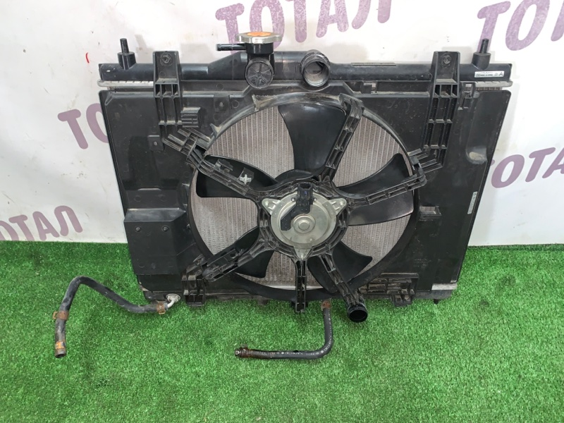 Радиатор двс Nissan Wingroad NY12 HR15DE 2007 (б/у)
