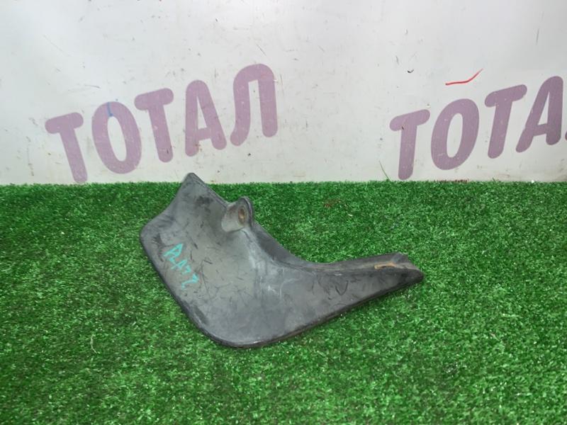 Брызговик Toyota Platz NCP12 задний правый (б/у)