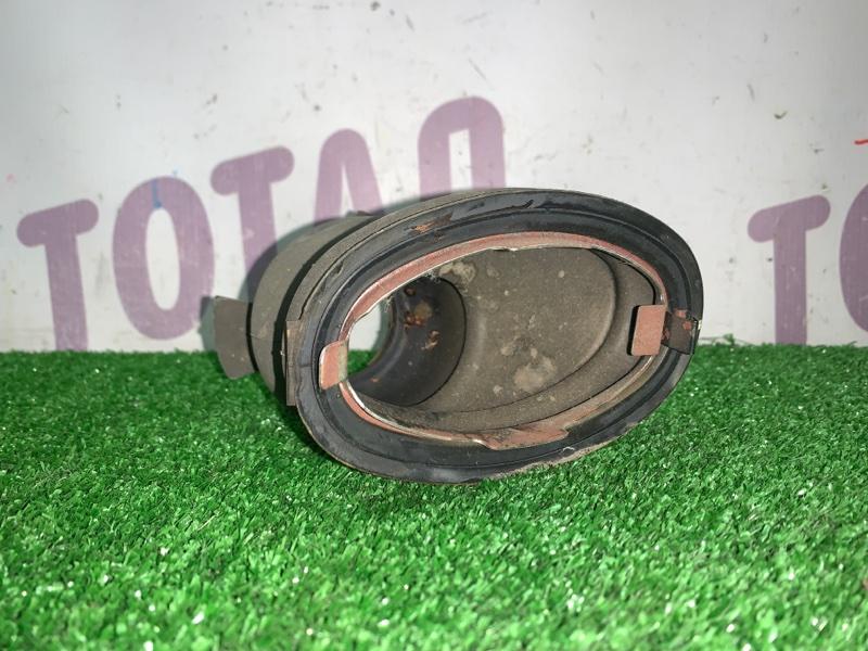 Пыльник рулевой колонки Toyota Sienta NCP85 1NZFE 2004 (б/у)