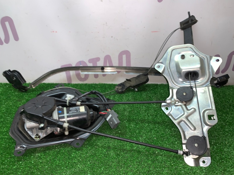 Электропривод двери Toyota Sienta NCP85 1NZFE задний левый (б/у)
