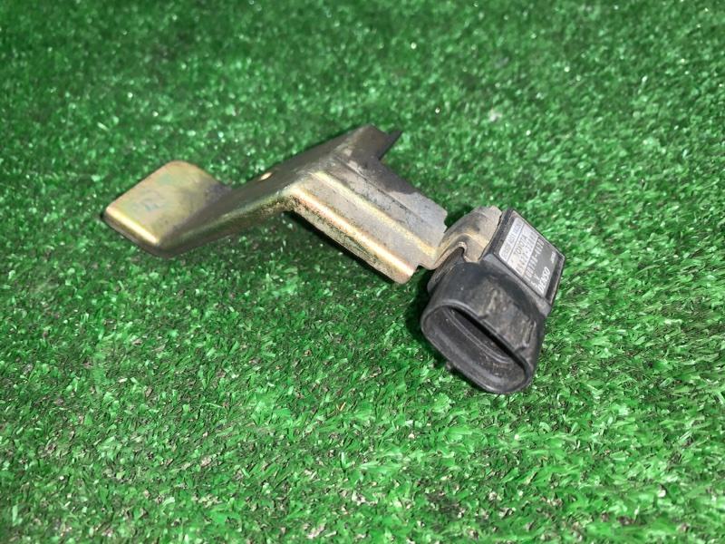 Клапан вакуумного усилителя тормозов Toyota Vista Ardeo SV55 3SFE (б/у)