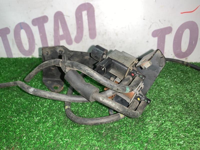 Вакуумник включения 4wd Nissan Terrano TR50 ZD30DDTI (б/у)