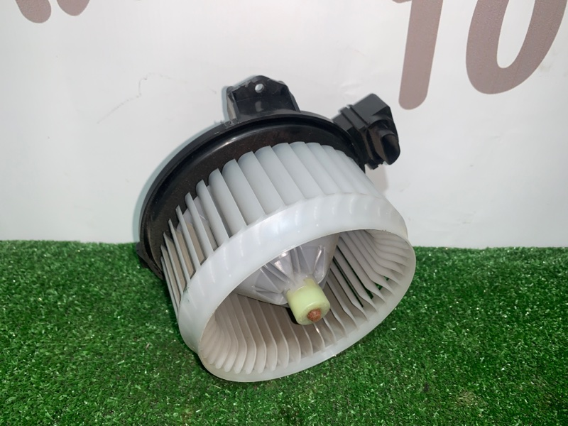 Мотор печки Suzuki Swift ZC71S K12B (б/у)