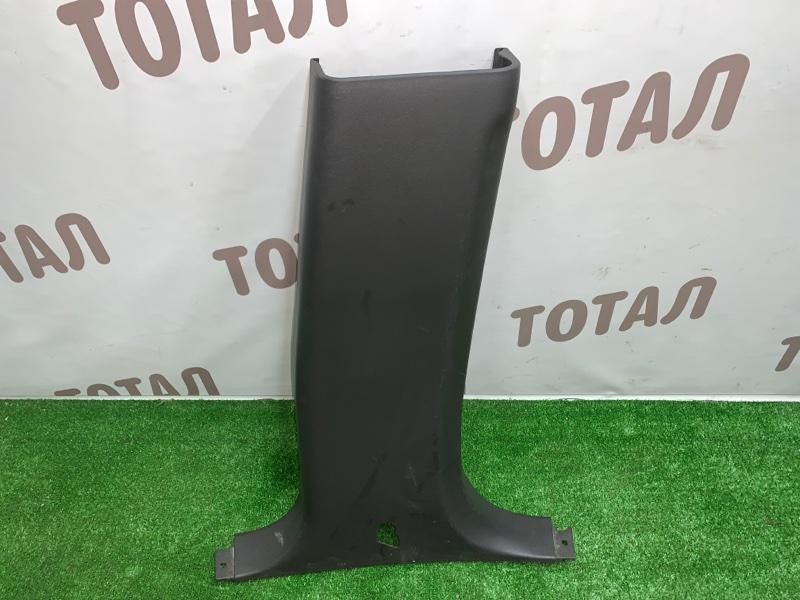 Накладка на стойку кузова Infiniti Infiniti Qx56 JA60 VK56DE 2005 задняя правая нижняя (б/у)