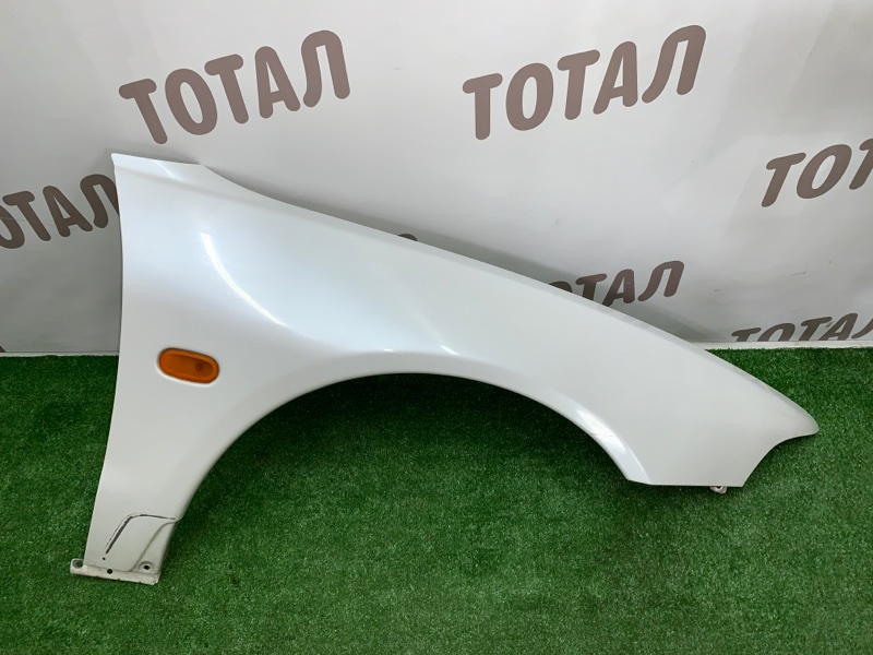 Крыло Mitsubishi Legnum EA1W 4G64 2000 переднее правое (б/у)