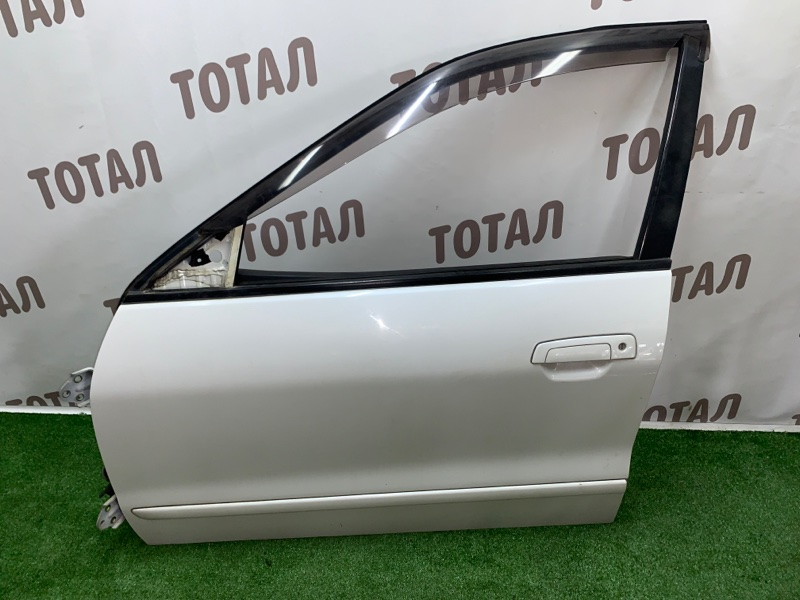 Дверь Mitsubishi Legnum EA1W 4G64 2000 передняя левая (б/у)