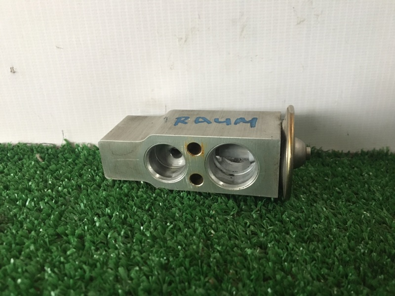 Клапан радиатора кондиционера Toyota Raum EXZ10 5EFE 2001 (б/у)