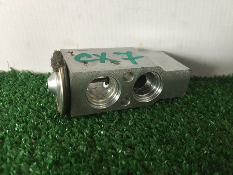 Клапан радиатора кондиционера Mazda Cx-7 ER3P L3VDT 2007 (б/у)