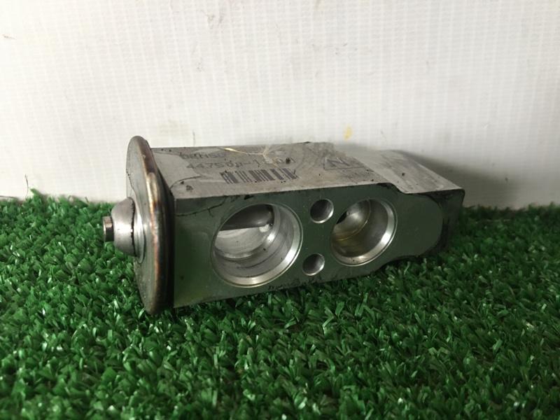 Клапан радиатора кондиционера Mitsubishi Pajero V75W 6G74 2001 (б/у)