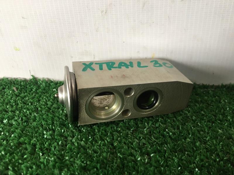 Клапан радиатора кондиционера Nissan X-Trail PNT30 SR20VET 2001 (б/у)