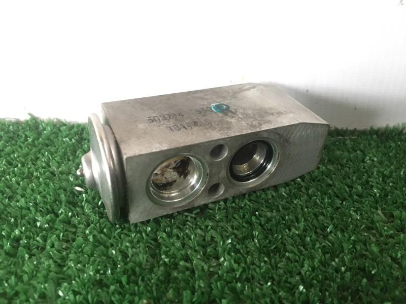 Клапан радиатора кондиционера Suzuki Grand Escudo TX92W H27A 2003 (б/у)