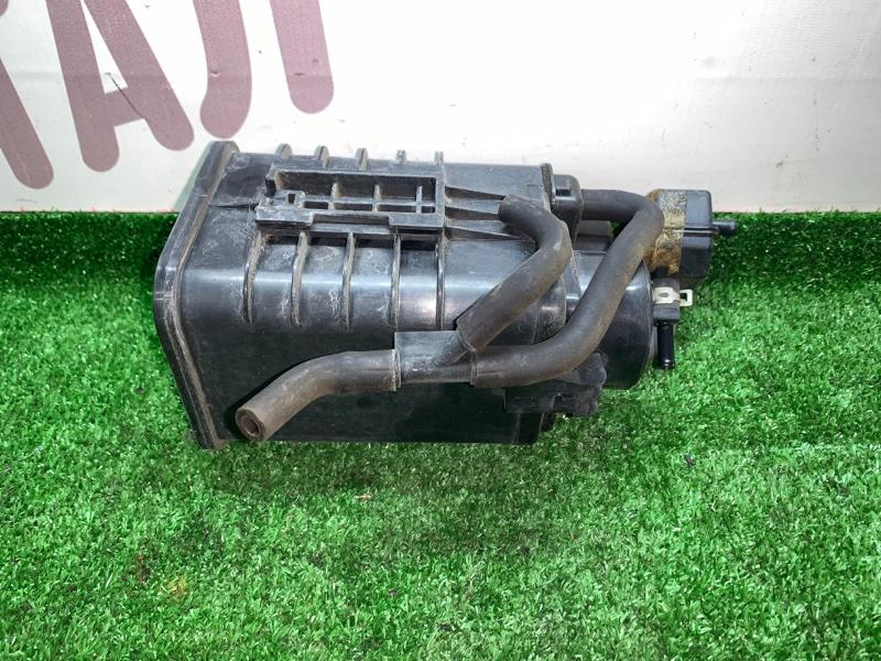 Фильтр паров топлива Toyota Noah AZR65G 1AZFSE 2004 (б/у)