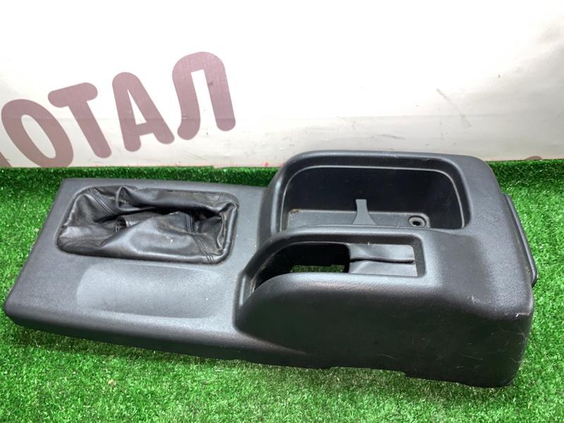Бардачок между сиденьями Mitsubishi Pajero Io H76W 4G93 1999 (б/у)