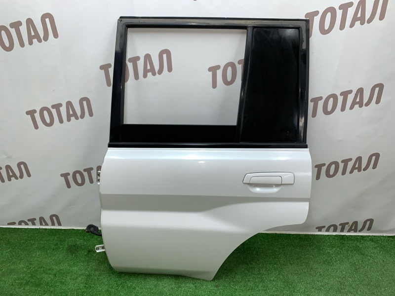 Дверь Mitsubishi Pajero Io H76W 4G93 1999 задняя левая (б/у)