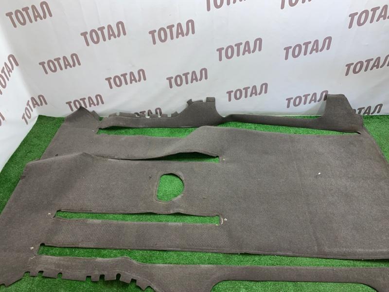 Обшивка пола Toyota Grand Hiace VCH16 5VZFE 2000 задняя (б/у)