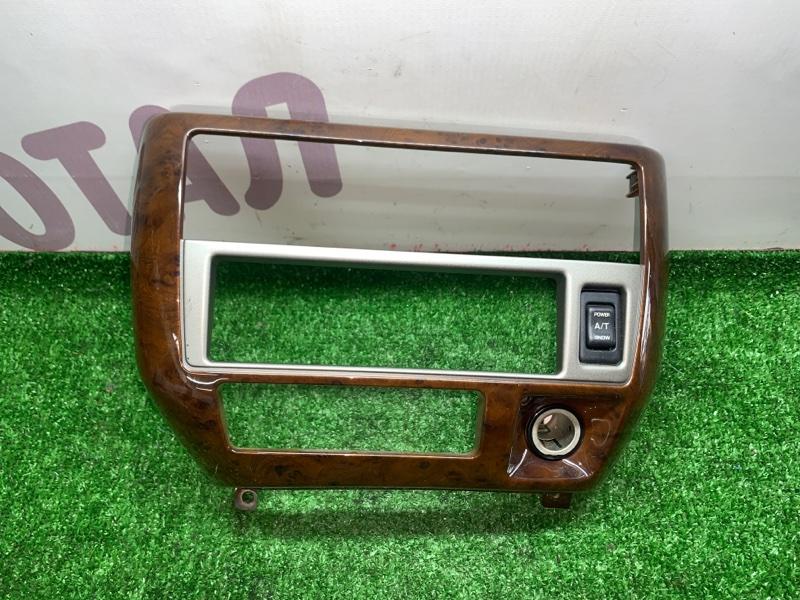 Консоль магнитофона Nissan Presage VNU30 YD25DDTI 1998 (б/у)