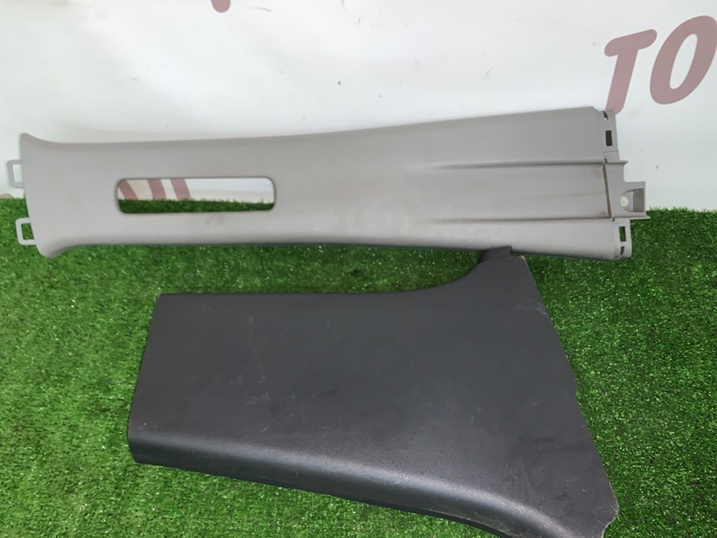 Накладка на стойку кузова Toyota Vitz NCP95 2NZFE 2006 задняя правая (б/у)