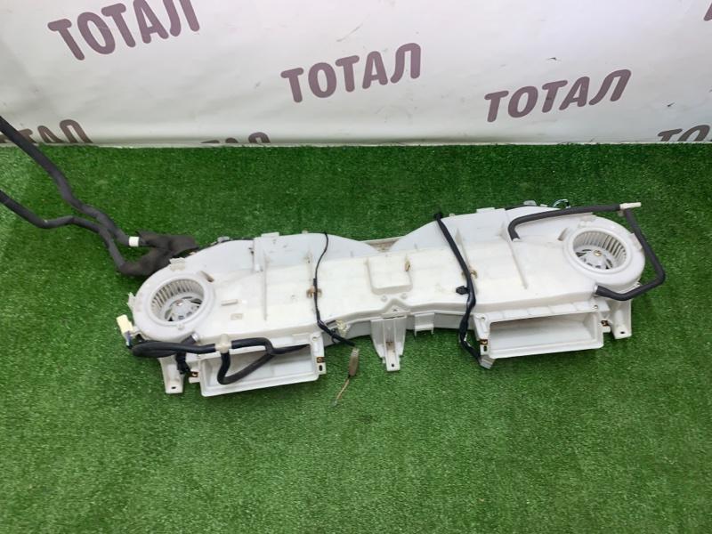Кондиционер салона Toyota Grand Hiace VCH16 5VZFE 2000 верхний (б/у)
