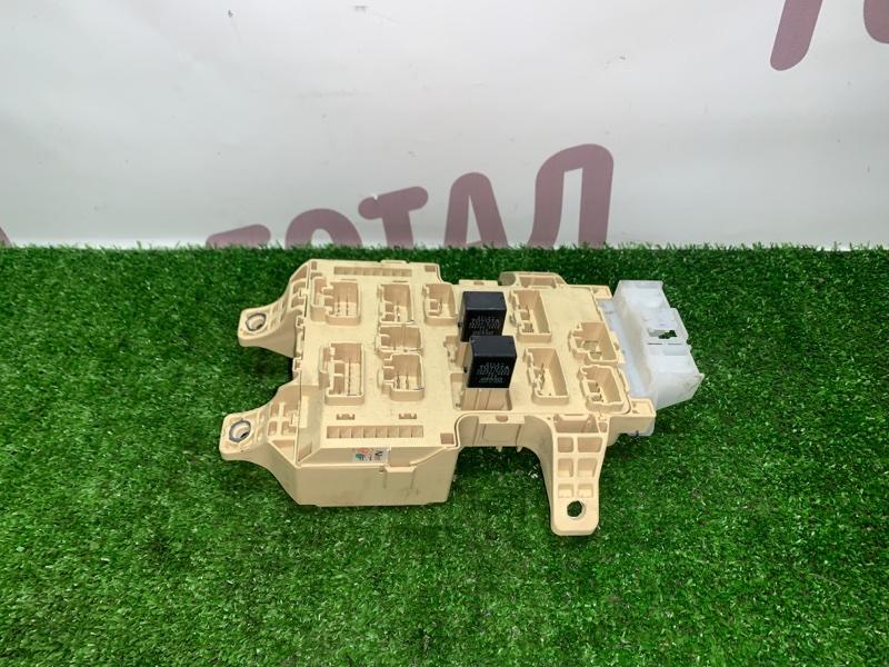Блок предохранителей Toyota Gaia SXM15 3SFE 2002 (б/у)