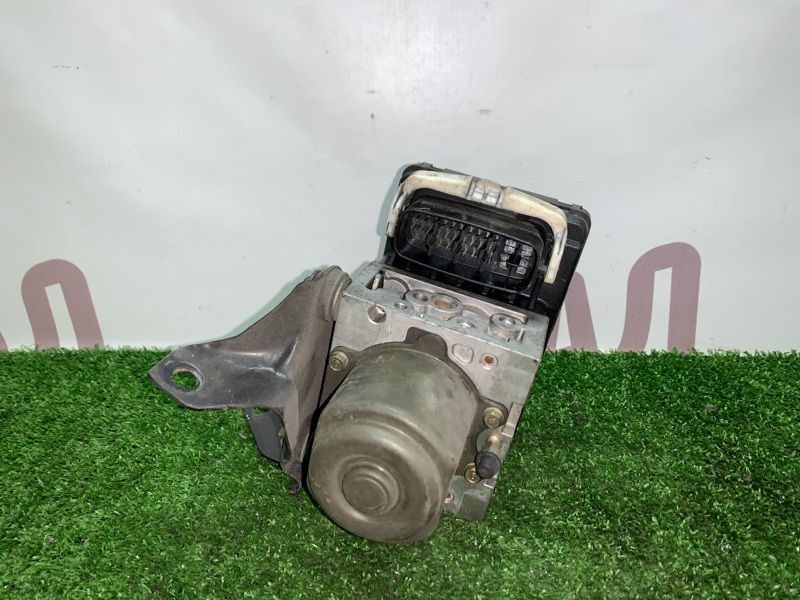 Блок abs Toyota Gaia SXM15 3SFE 2002 (б/у)