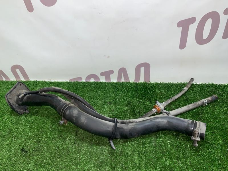 Горловина топливного бака Mazda Proceed Levante TJ32W RF 1998 (б/у)