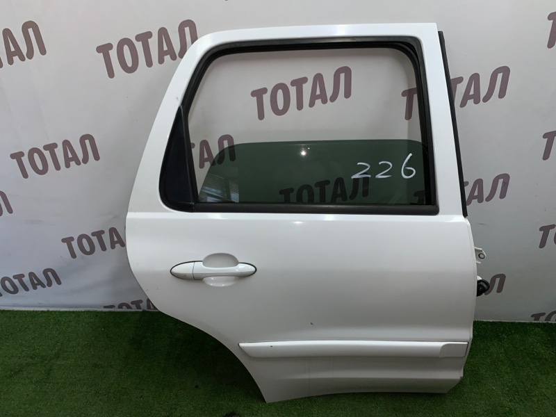 Дверь Mazda Tribute EPEW YF 2000 задняя правая (б/у)