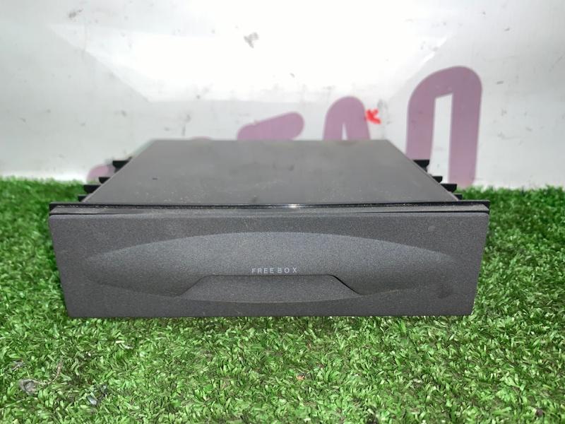 Бардачок Suzuki Escudo TDA4W J24B 2008 (б/у)
