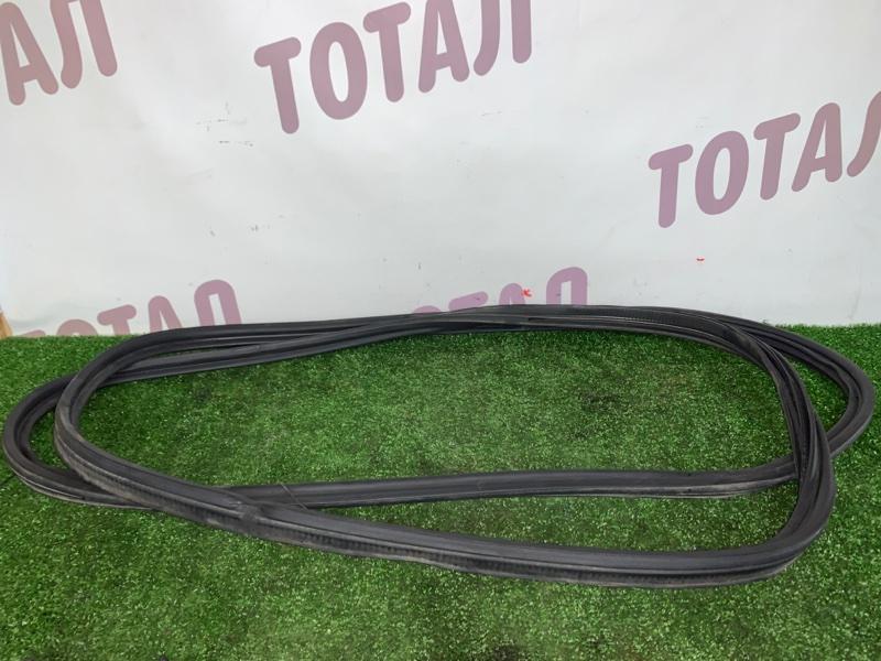 Уплотнительная резинка багажника Nissan X-Trail TNT31 QR25DE 2008 (б/у)