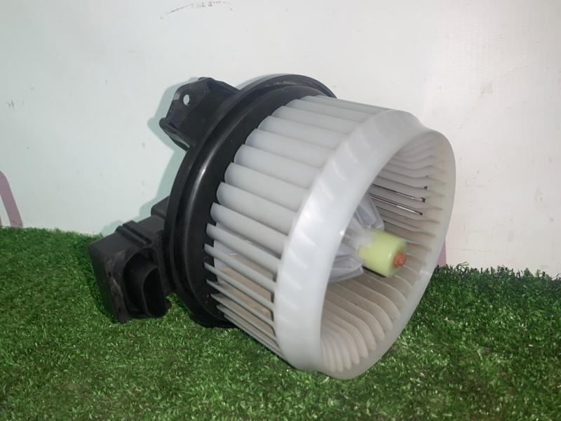 Мотор печки Toyota Vitz NCP95 2NZFE 2006 (б/у)