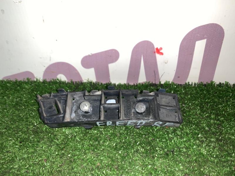 Крепление бампера Honda Freed GB3 L15A 2008 переднее правое (б/у)