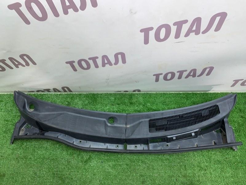 Решетка под лобовое стекло Toyota Sienta NCP85 1NZFE 2004 (б/у)