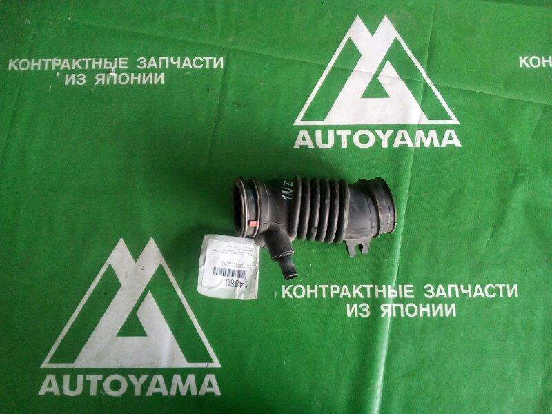 Патрубок воздушного фильтра Toyota Ractis NCP100 1NZFE (б/у)