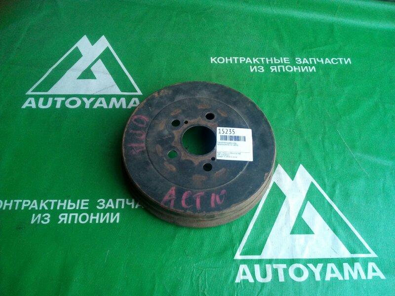 Тормозной барабан Toyota Opa ACT10 1AZFSE задний (б/у)
