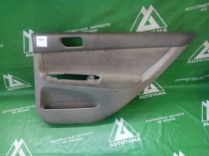 Обшивка двери Toyota Camry ACV30 1AZFE задняя правая (б/у)