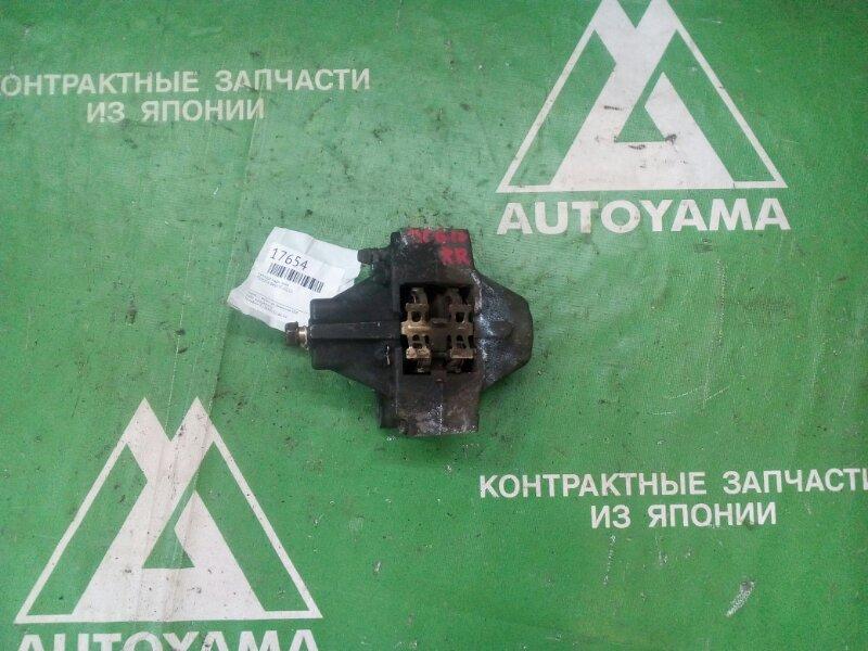 Суппорт Toyota Brevis JCG10 задний правый (б/у)