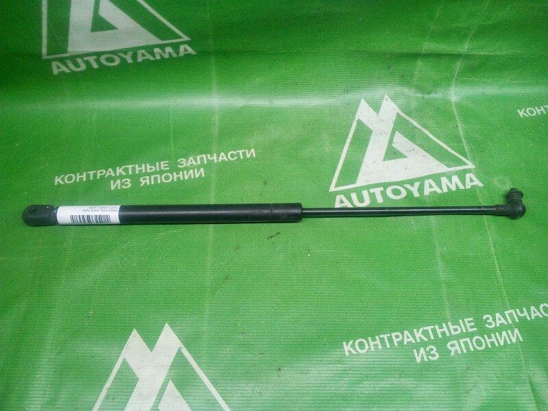 Амортизатор капота Toyota Mark Ii GX90 передний (б/у)