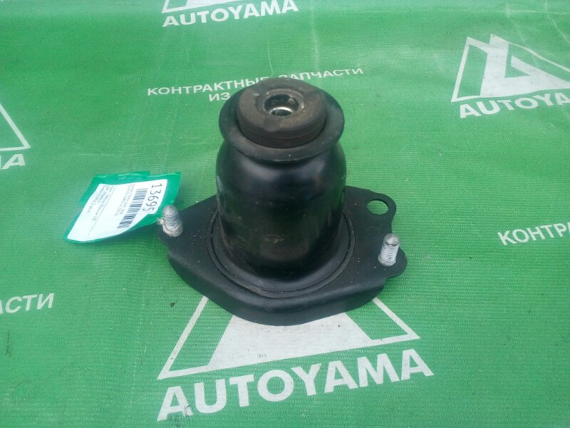 Опора стойки Toyota Corolla ZZE120 задняя правая (б/у)