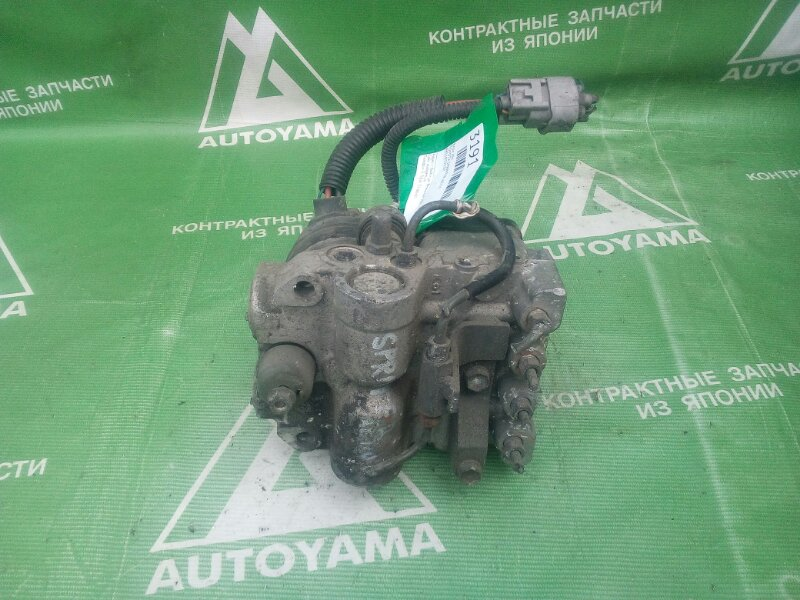 Блок abs Toyota Sprinter AE110 (б/у)