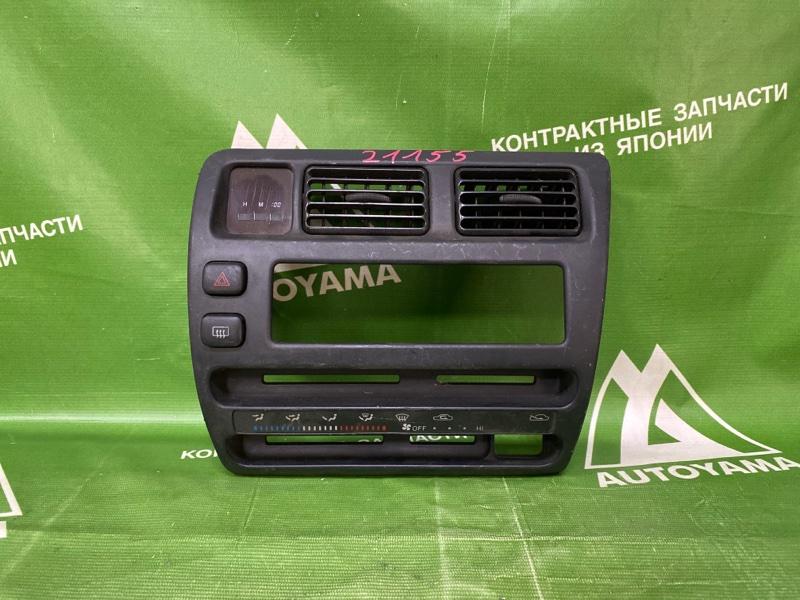 Консоль центральная Toyota Sprinter AE100 (б/у)