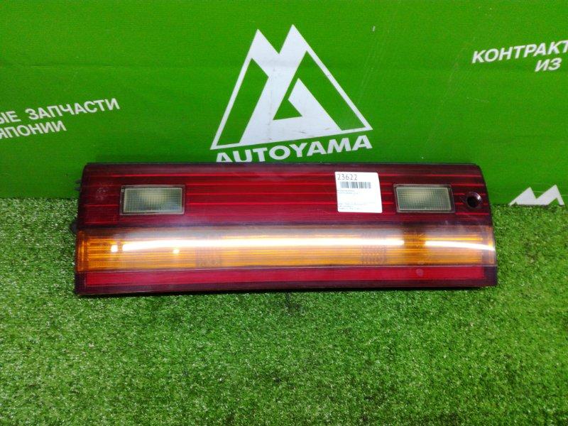 Вставка багажника Toyota Crown GS141 (б/у)