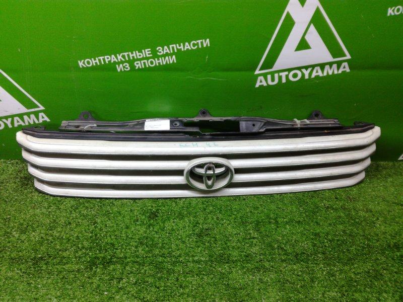 Решетка радиатора Toyota Hiace Regius KCH46 (б/у)