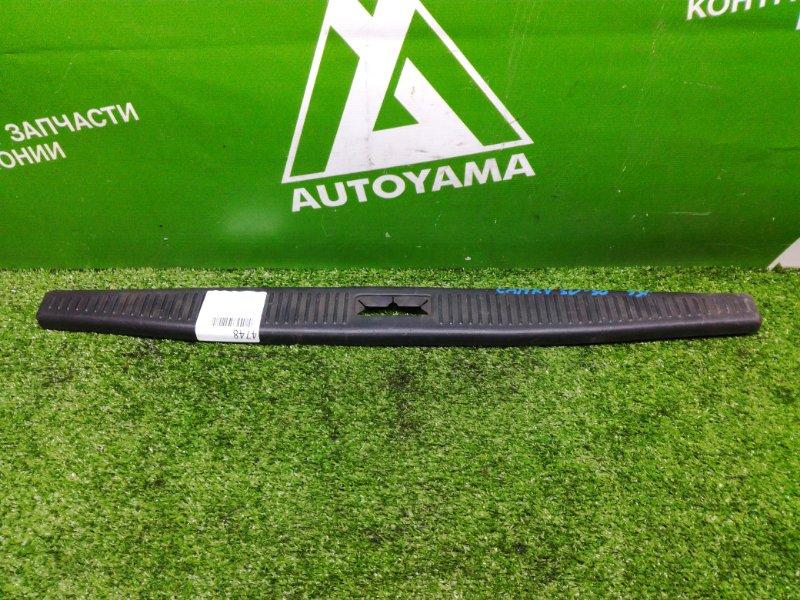 Накладка замка багажника Toyota Camry SV30 (б/у)